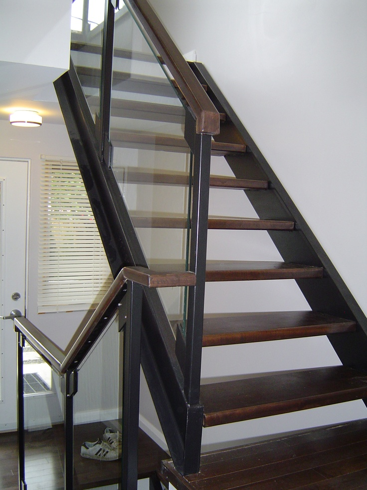 Solid Stained Maple Wood Treads With Steel Channel Stringers Glass Railing Wwwthesteelworks