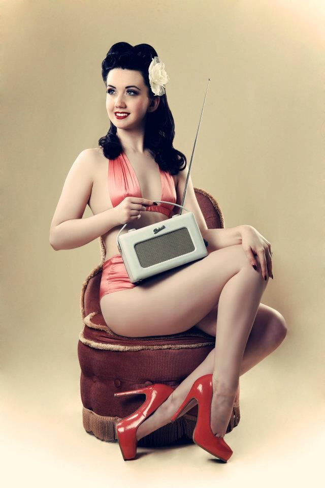 Laughing Girl Wallpaper Pin Up Listening To The Radio Hot Rods And Pin Ups
