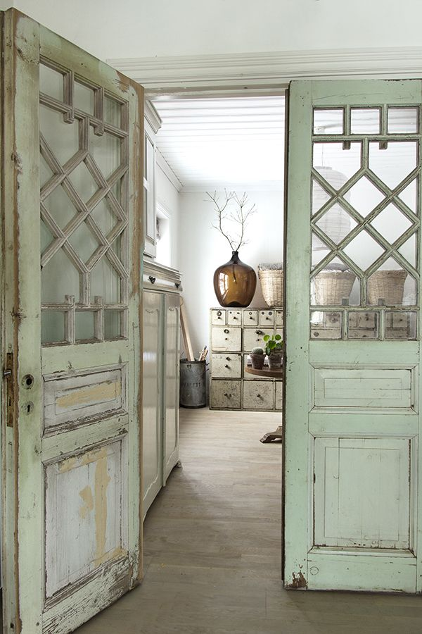 25+ best ideas about Vintage interiors on Pinterest