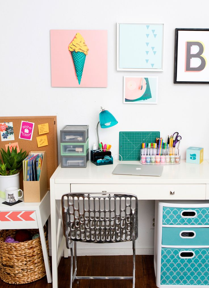 Best 20 Desk Essentials ideas on Pinterest  Beauty desk