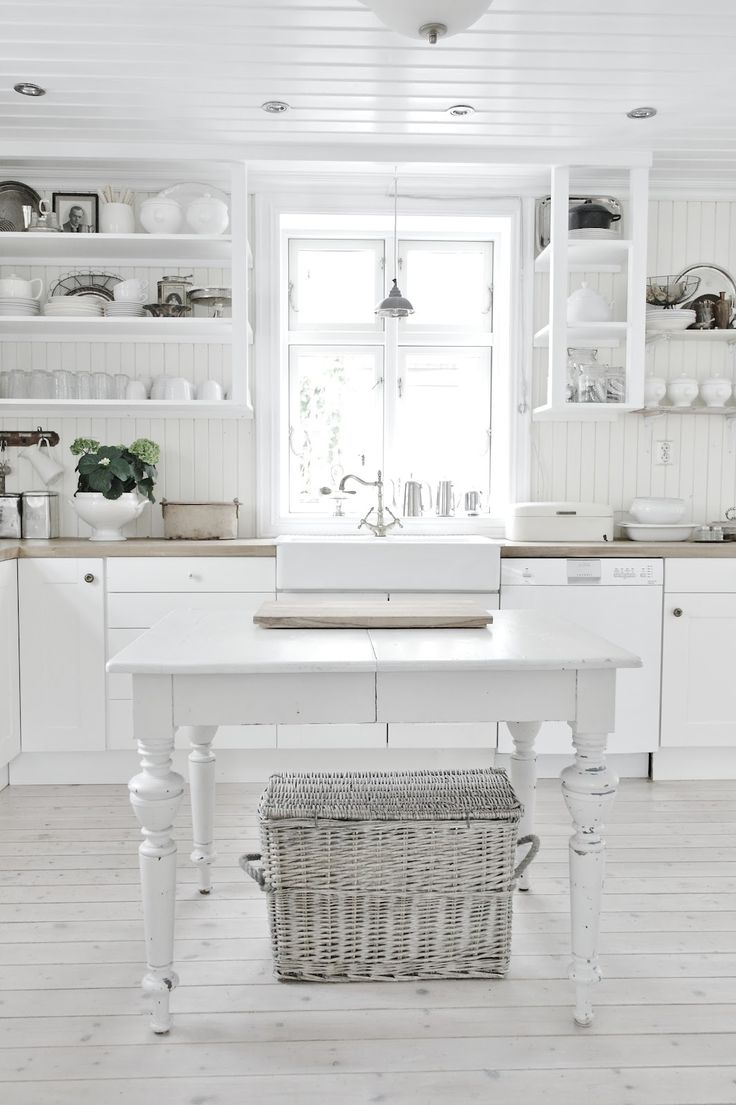 1000 ideas about White Cottage Kitchens on Pinterest