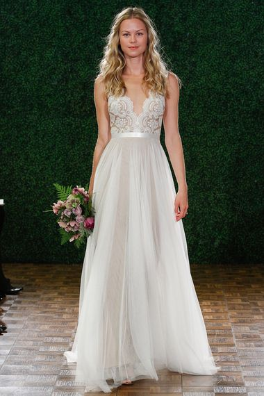 The 25 Most-Pinned Wedding Dresses Of 2014|Bridal