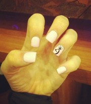 nails browning symbol light