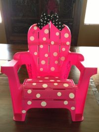Cool way to redo Avary's beach chair: Minnie Mouse chair