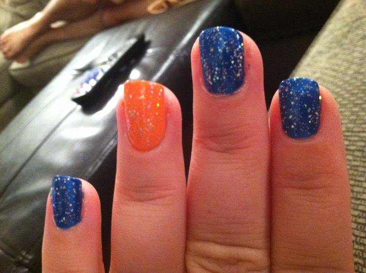 Gator Sparkly nails