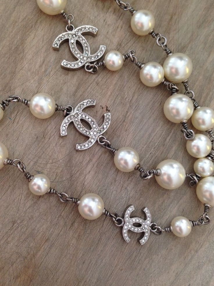 CHANEL Stunning Pearl Necklace Double CC Classic Sautoir