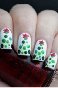 25+ best ideas about Christmas tree nails on Pinterest ...