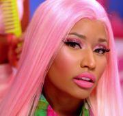 nicki minaj in pink hair and glitter