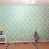 My mint green bedroom accent wall. Freehand painted. | diy ...