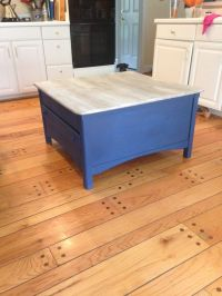 Coffee table painted wit Chalk Paint by Annie Sloan ...