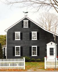 25+ best ideas about Dark Gray Houses on Pinterest ...