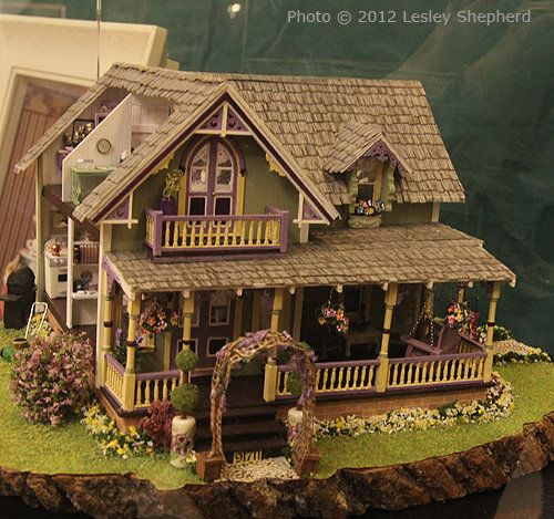 doll houses miniatures