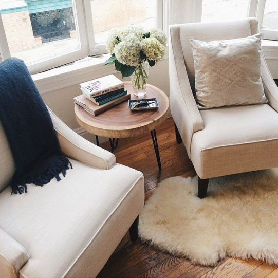 Major snaps to @athartwell for mastering the (difficult) art of decorating the area in front of a bay window, with two beautiful swoop-arm chairs found #onOneKingsLane!!: