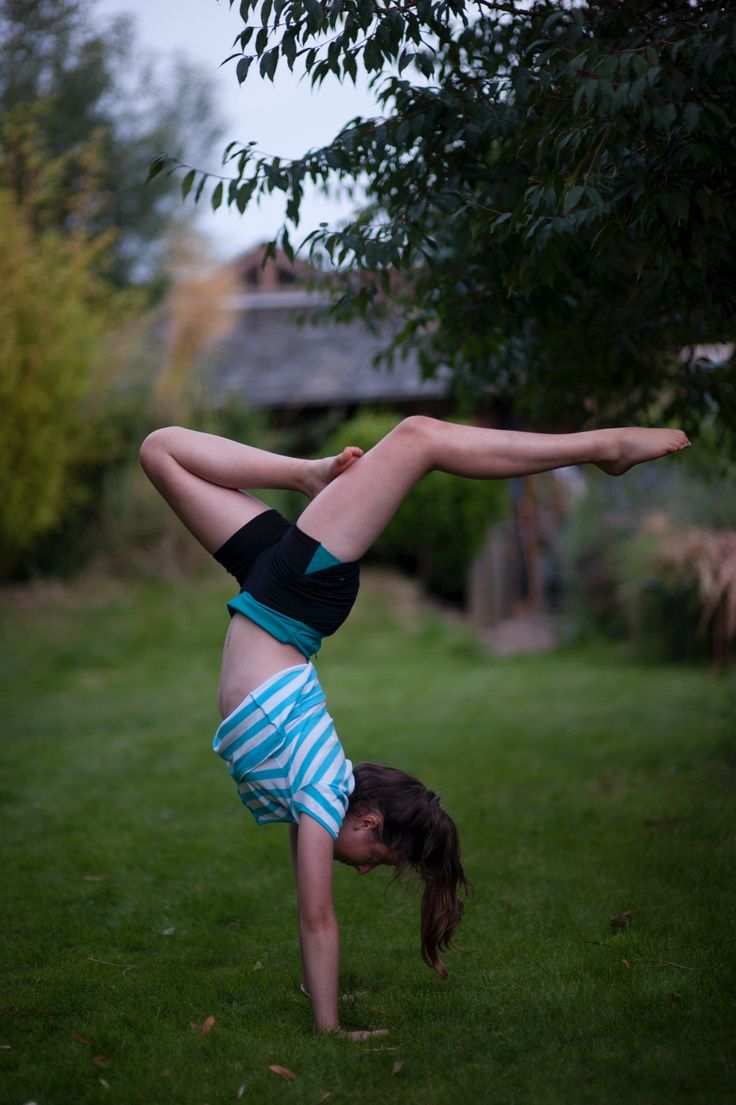 Stag Handstand Turnen Pinterest Handstand