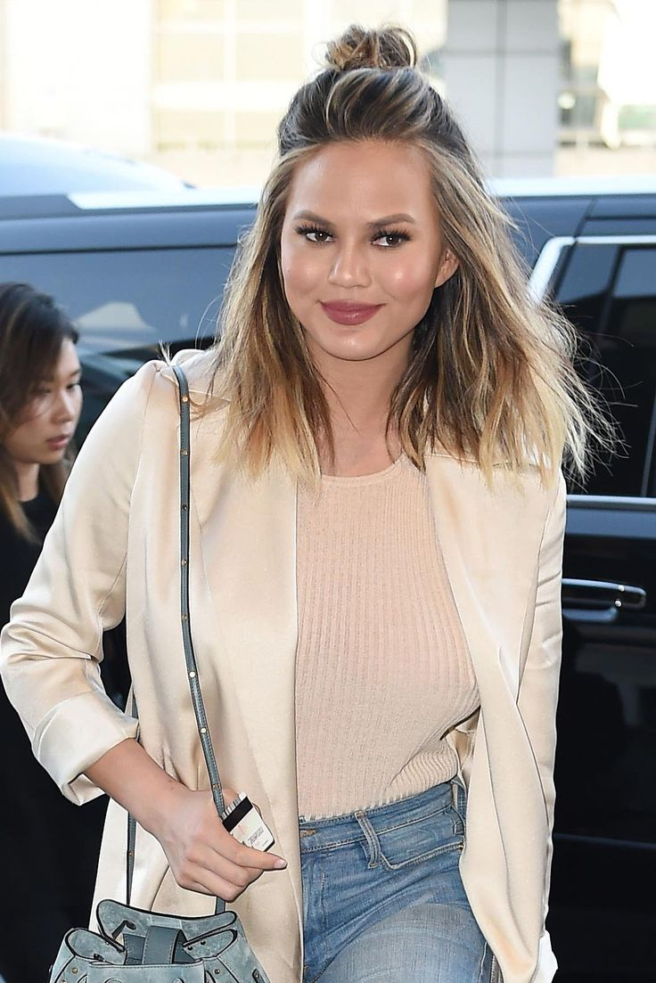 How Chrissy Teigen Upgrades Her Beachy Waves in Seconds  Beachy waves On and Hair