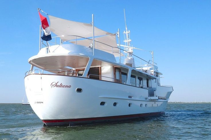 Classic Yachts Stern Of The Classic Motor Yacht SULTANA