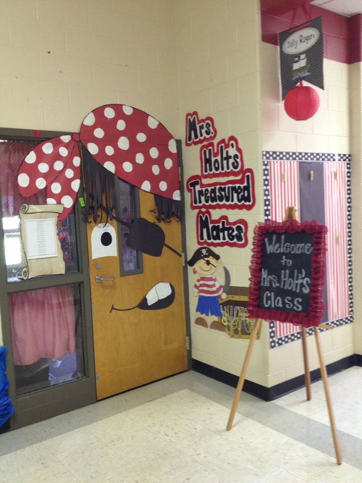 25+ best ideas about Pirate door on Pinterest