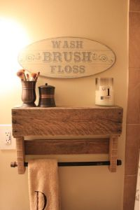 25+ best ideas about Pallet towel rack on Pinterest