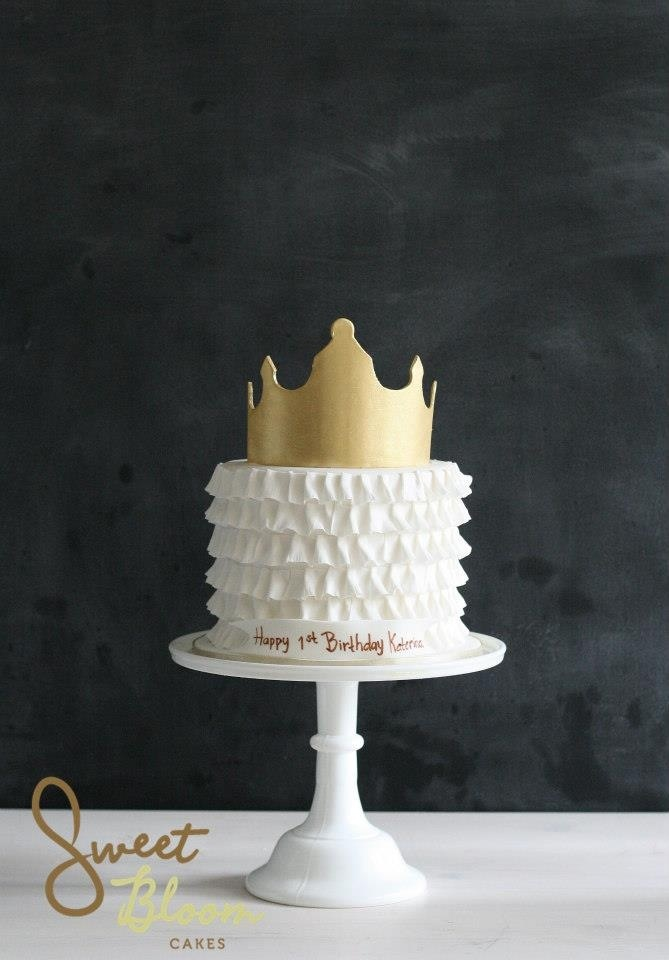Princess Ruffled Cake With Gold Crown Candy Buffets