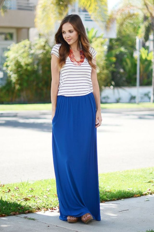 maxi skirt girl  with tshirt
