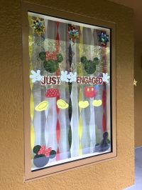 25+ best ideas about Disney window decoration on Pinterest