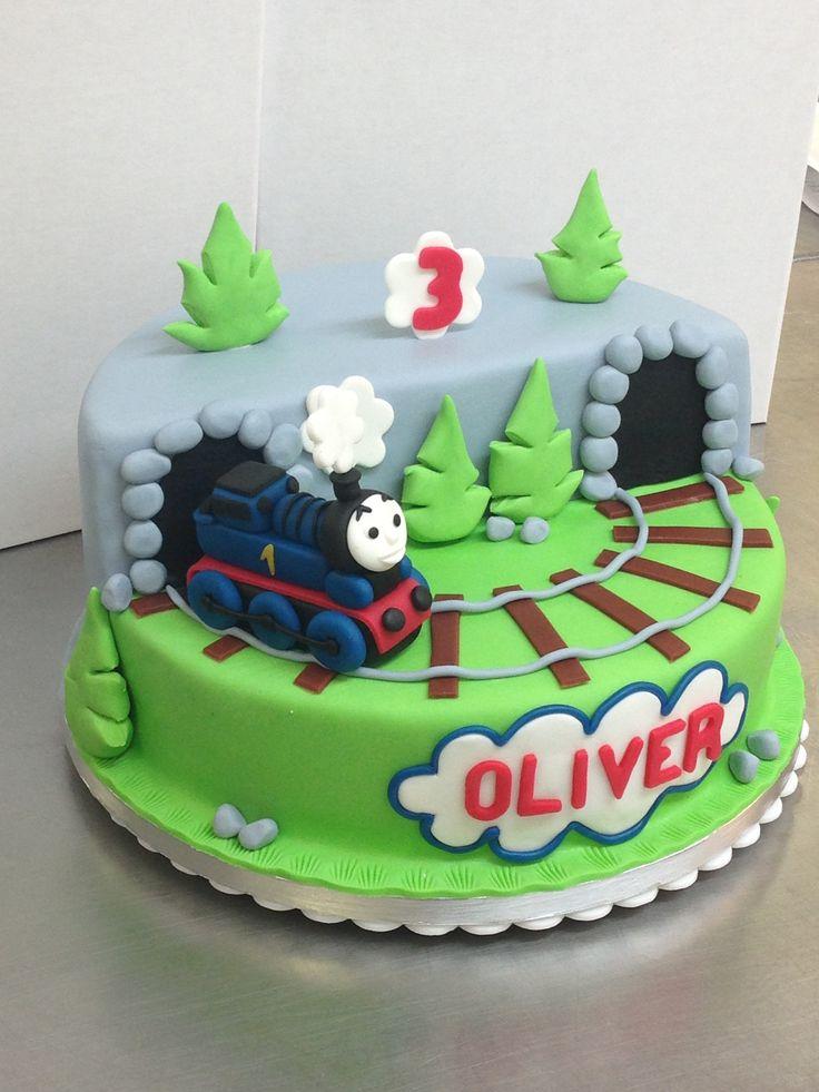 Best 20 Thomas Birthday Cakes ideas on Pinterest  Thomas the train cakes Thomas cakes and