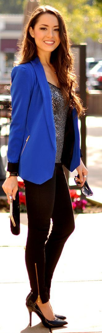 Blue coat with tights and sparkling shirt: