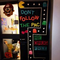 Door decoration contest for Red Ribbon Week! I'm so happy ...