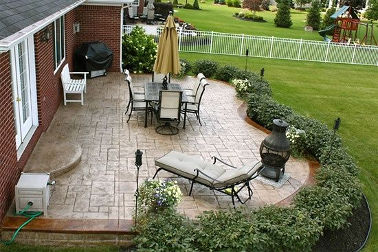 landscape patio nice shrubbery