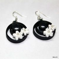 Paper quilled earrings - black & white | Quilled Jewell ...