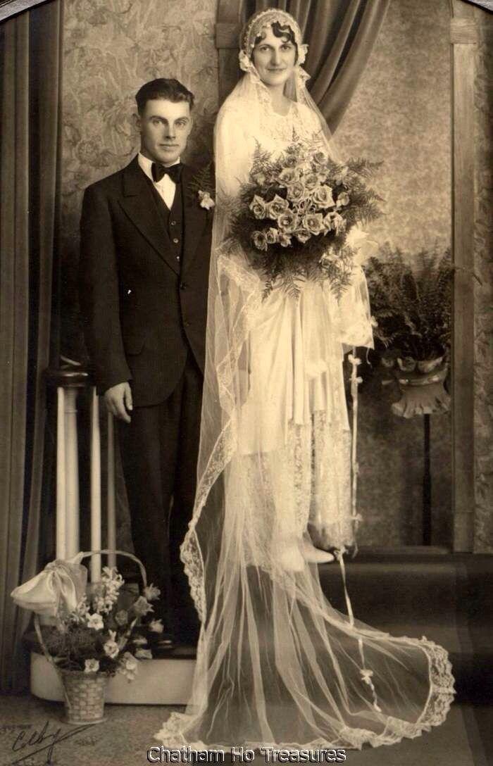 1000 ideas about 1920s Wedding Dresses on Pinterest