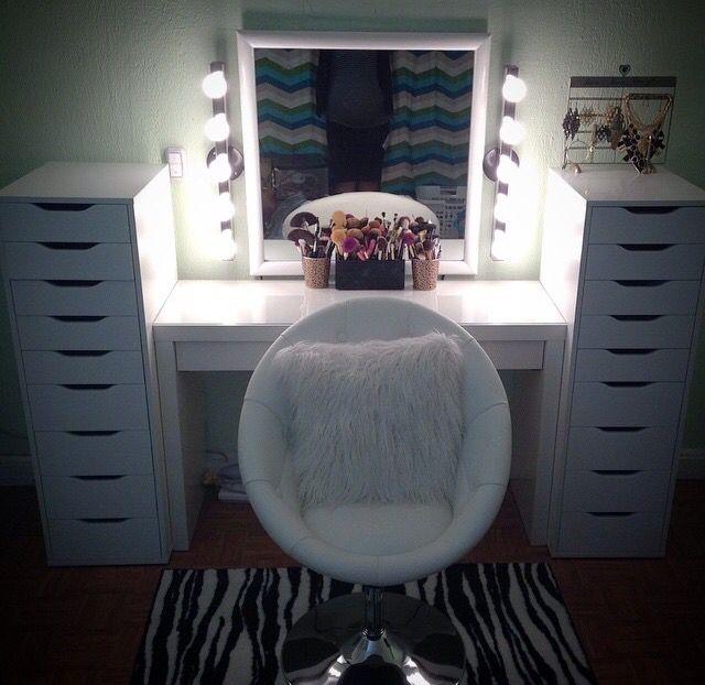 Best 25 Vanity chairs ideas on Pinterest  Vanity bench