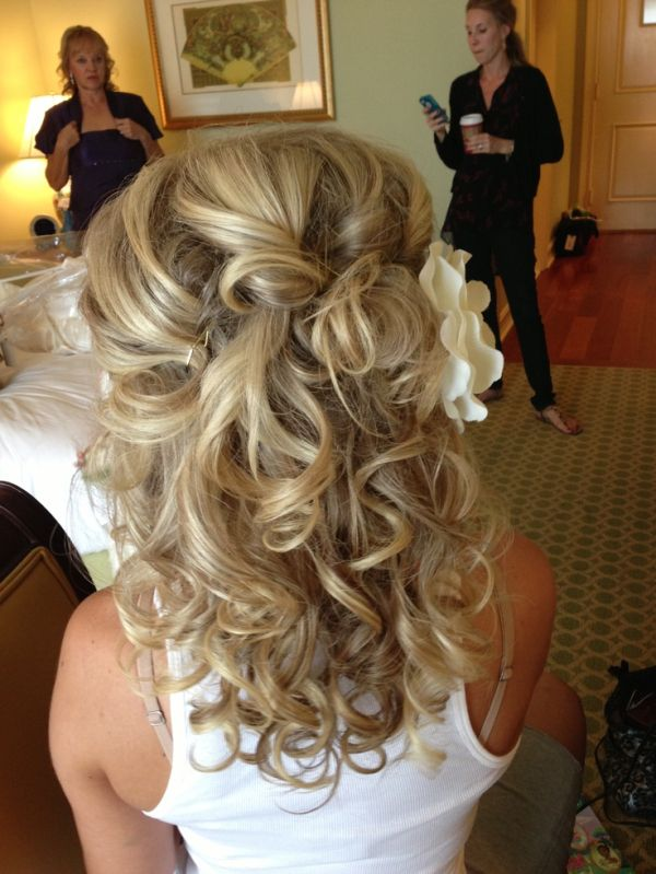 25 Best Ideas About Medium Wedding Hairstyles On Pinterest