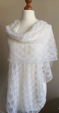 46 best images about Hand knitted Lace shawls on Pinterest ...