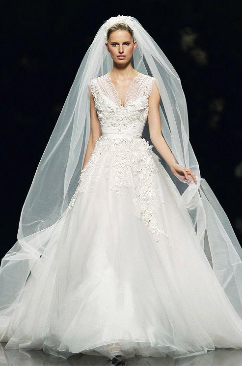 Karolina Kurkova rocks this stunning floor length veil from the Elie SaabSpring 2013 bridal collection.