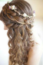 hochzeitsfrisur-lange-haare-blumen-offen-romantisch