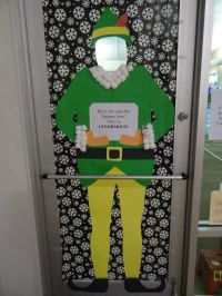 17 Best ideas about Christmas Door Decorations on ...