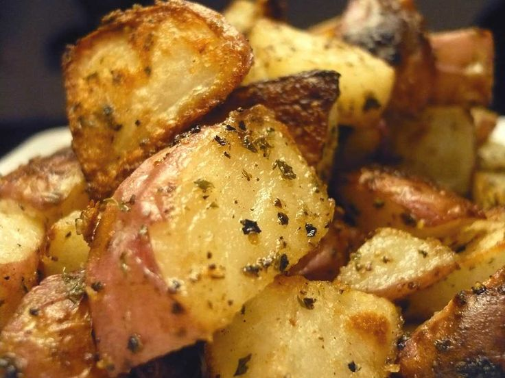 Recipe for Simple Roasted Red Potatoes at Lifes Ambrosia no garlic very good, covered for first half then open for