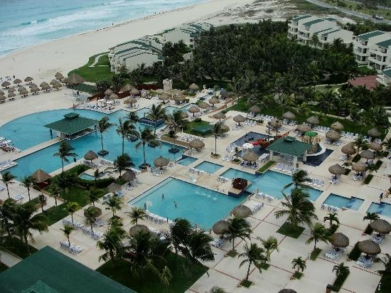 Iberostar Cancun pool complex