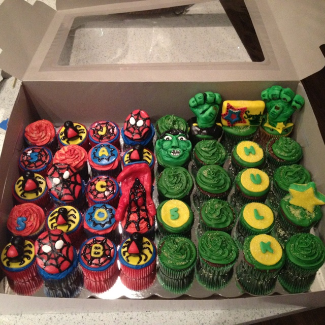 Spiderman Amp Hulk Cupcakes Bake My Face Off Pinterest