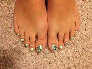 mint green toe nail polish