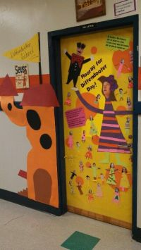 95 best images about Dr. Seuss door decorations on ...