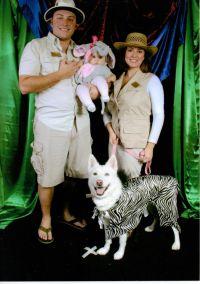 Family Halloween costume with dog - zoo keepers or safari ...