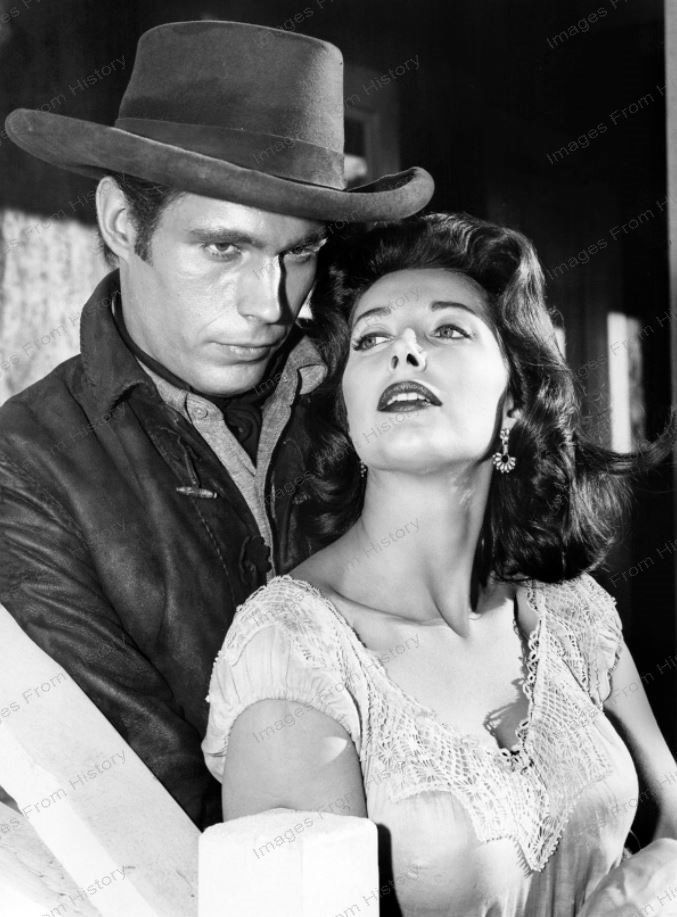 Midge Ware with Tony Young in Gunslinger 1961  Western
