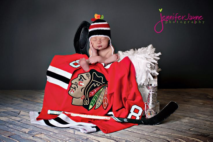 This Chicago Blackhawks #newborn Baby Photo Session Scored