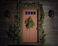 17 Best images about Colonial Christmas Homes - Outdoors ...