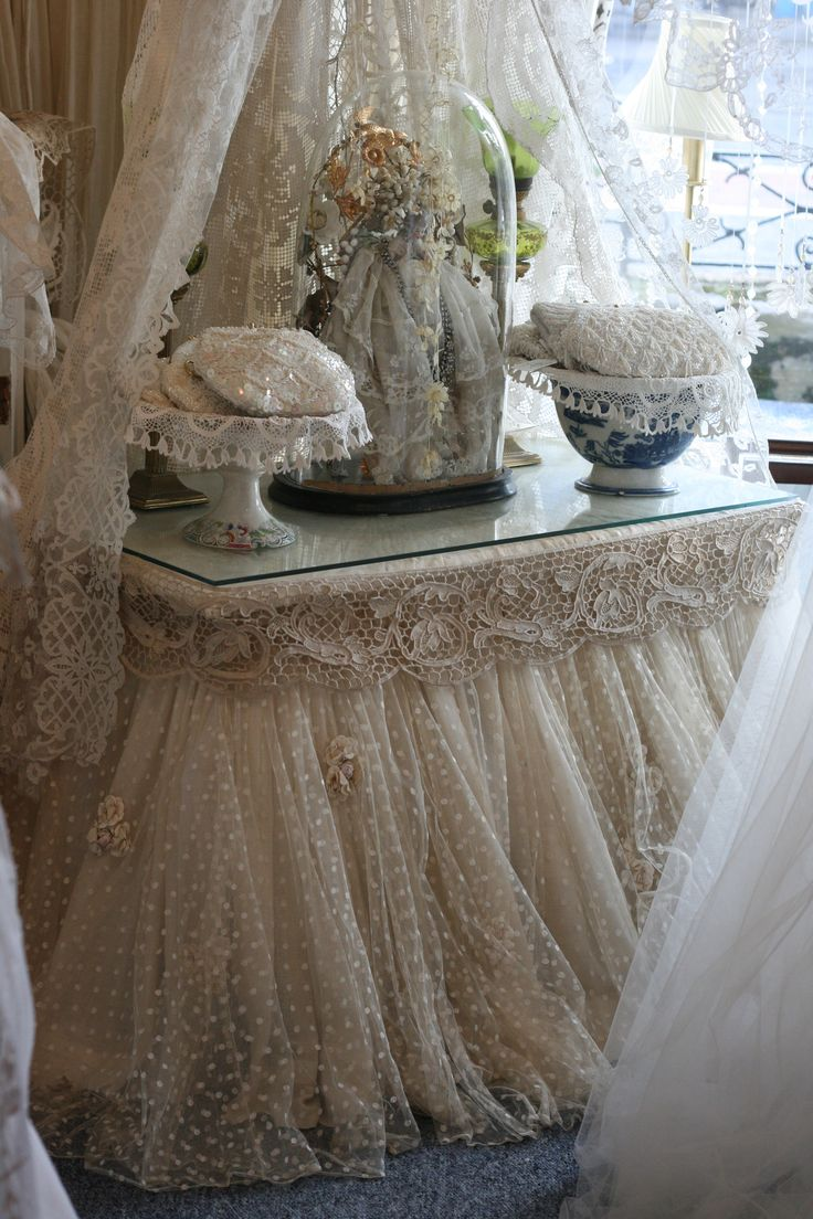 25 Best Ideas About Table Skirts On Pinterest Tulle
