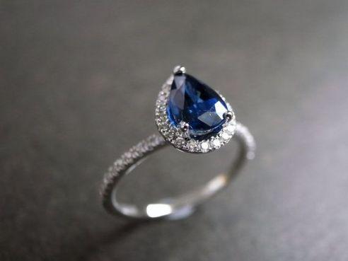 I <3 <3 <3 sapphire engagement rings!! ---Pear Cut Blue Sapphire Diamond Engagement Ring by honngaijewelry, $1220.00