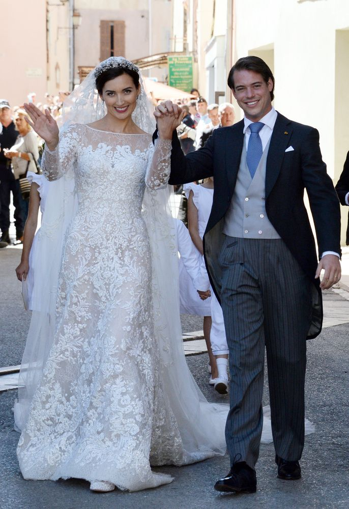 17 Best ideas about Royal Wedding Dresses on Pinterest  Royal wedding gowns Weeding dresses