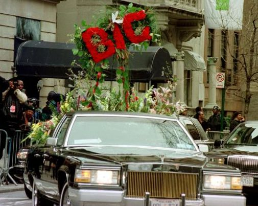 Biggie in Casket Funeral Pics The lead flower car for